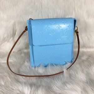 Louis Vuitton Vernis Mott Crossbody Baby Blue